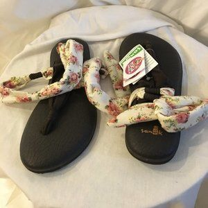 "Sanuk Floral ""Yoga Slinged Up"" Sandals 6  NWT"
